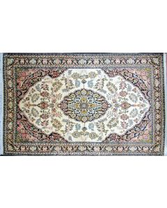 Regular Kashmir silk carpet 4.5'x7'